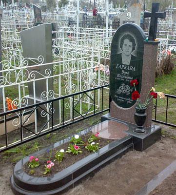 Надгробні пам'ятникина замовлення